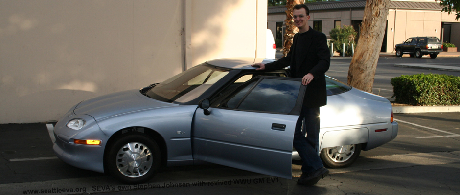 Image of a rare  GM EV 1 with SEVA President Stephen Johnsen