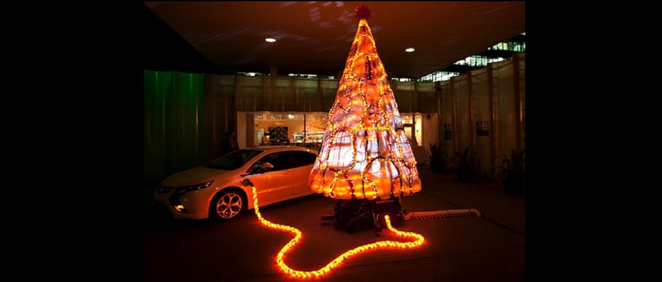 img of Chevy Volt lighting up a Christmas Tree